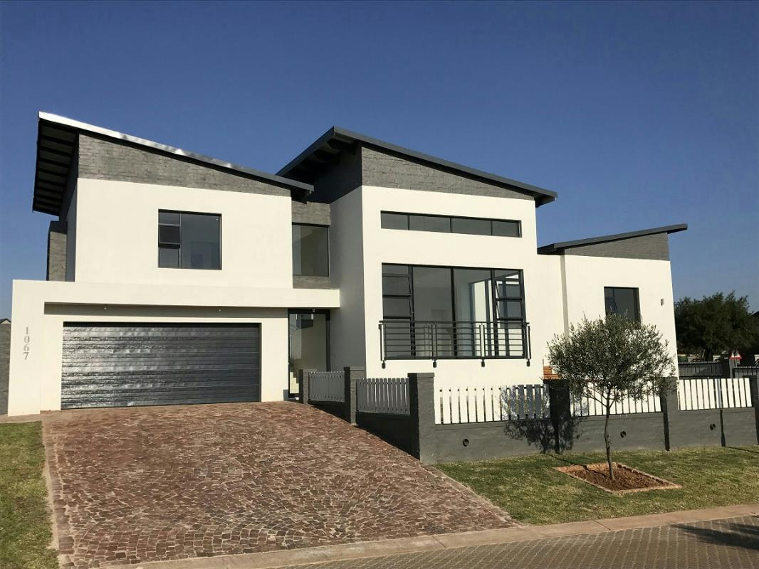 https://listing.pamgolding.co.za/Images/Properties/201801/613657/H/613657_H_15.jpg