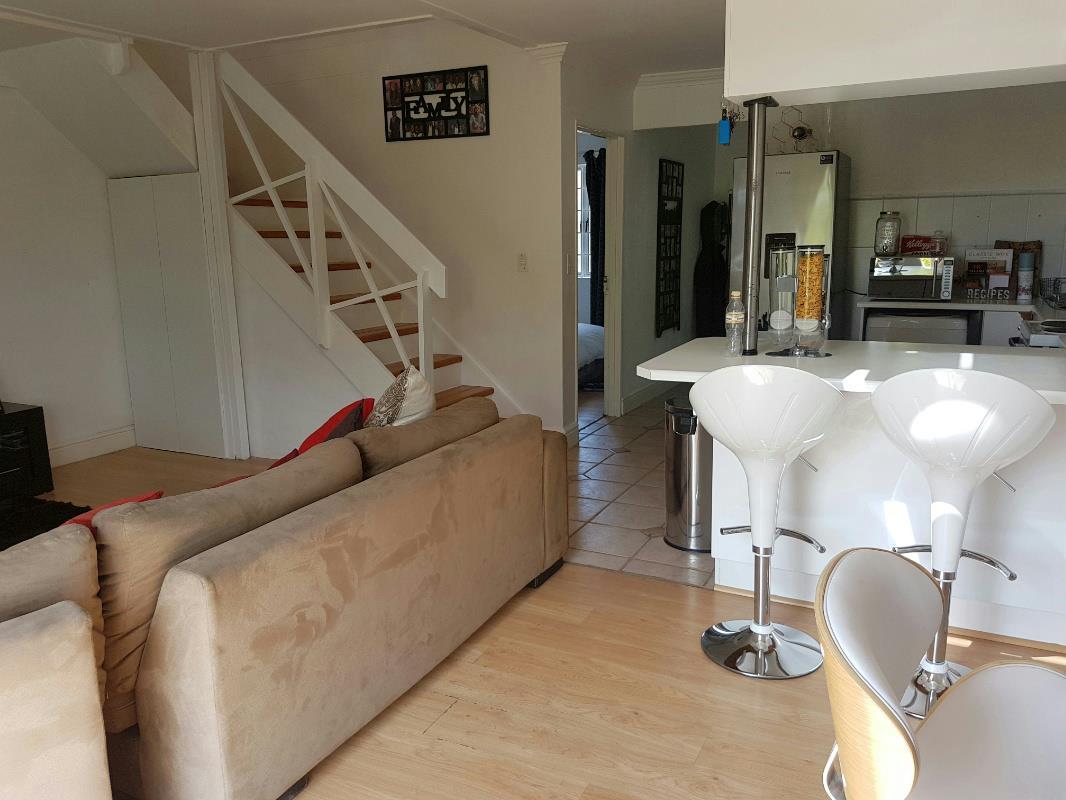2 bedroom apartment to rent in Kenilworth Upper