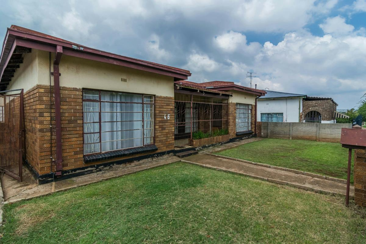 https://listing.pamgolding.co.za/Images/Properties/201802/833179/H/833179_H_2.jpg