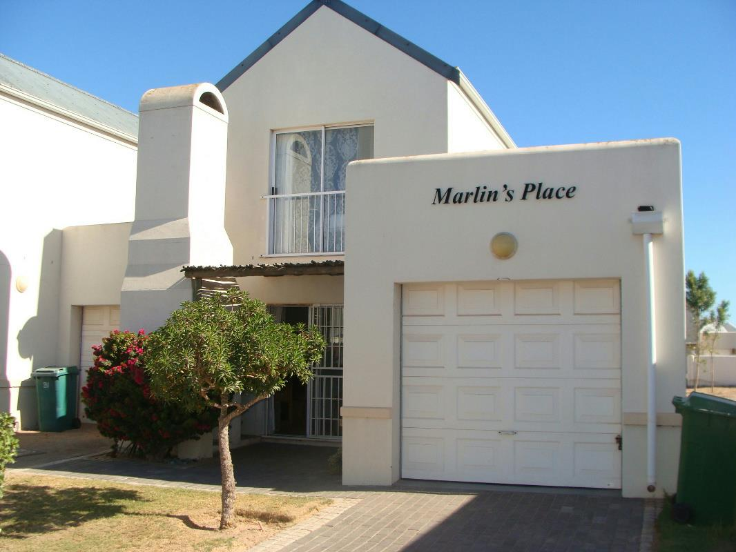 https://listing.pamgolding.co.za/Images/Properties/201802/834083/H/834083_H_1.jpg