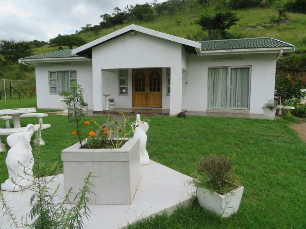 https://listing.pamgolding.co.za/Images/Properties/201803/862345/H/862345_H_1.jpg