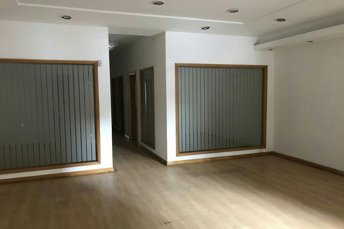 237 m² commercial office to rent in Port Louis (Port Louis, Mauritius)