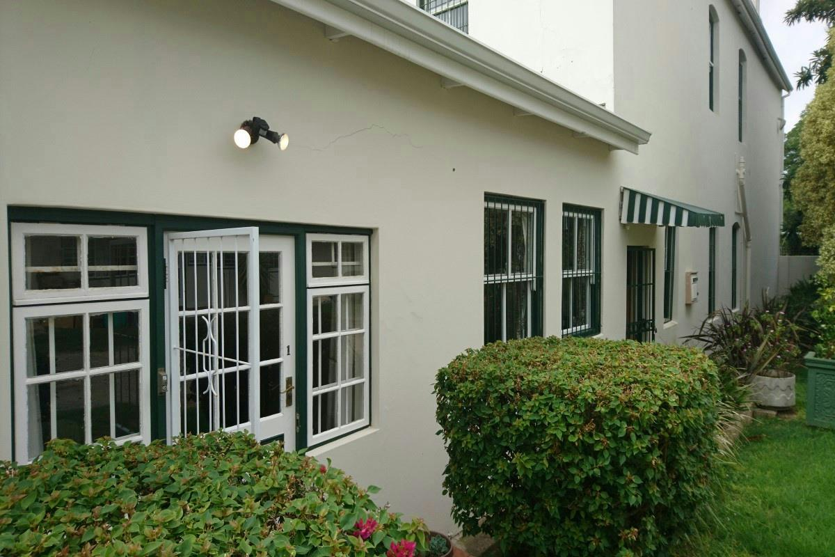 https://listing.pamgolding.co.za/Images/Properties/201804/532233/H/532233_H_1.jpg