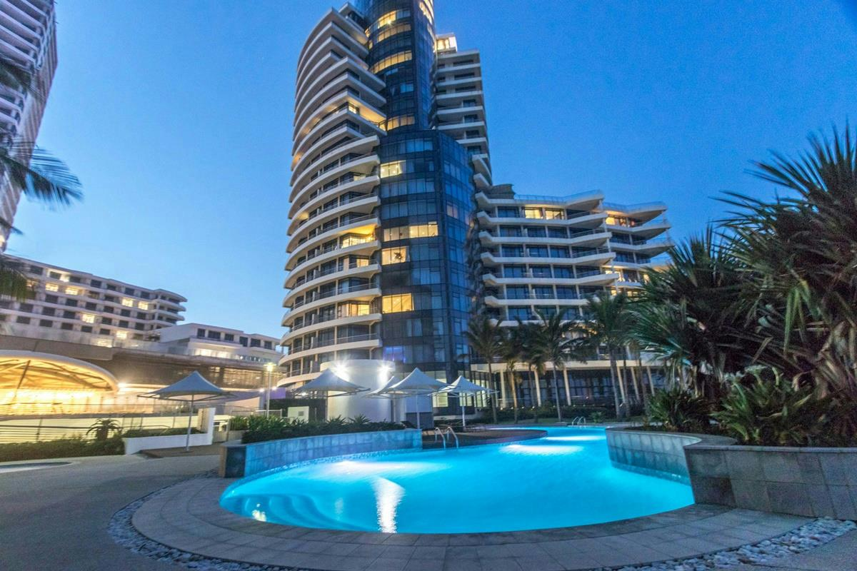3 bedroom penthouse apartment for sale in uMhlanga Rocks
