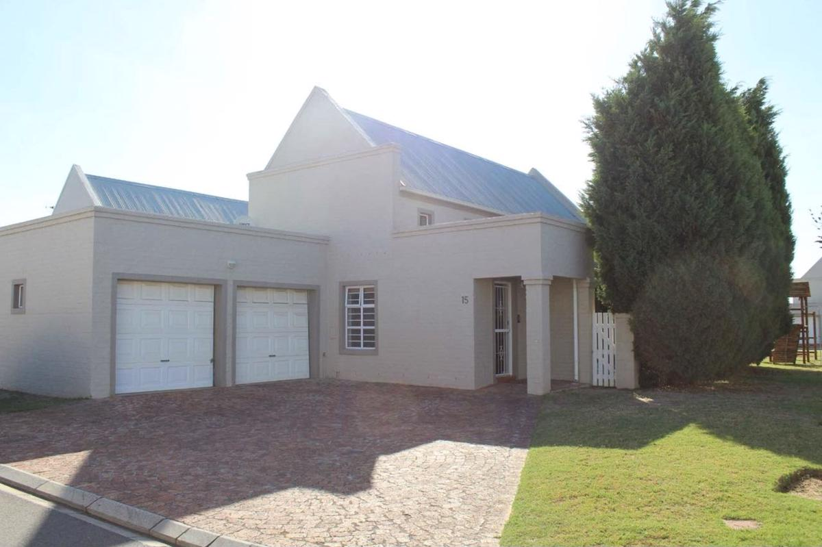 https://listing.pamgolding.co.za/images/properties/201804/896830/H/896830_H_1.jpg