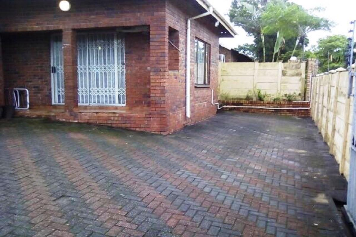https://listing.pamgolding.co.za/images/properties/201804/896888/H/896888_H_2.jpg