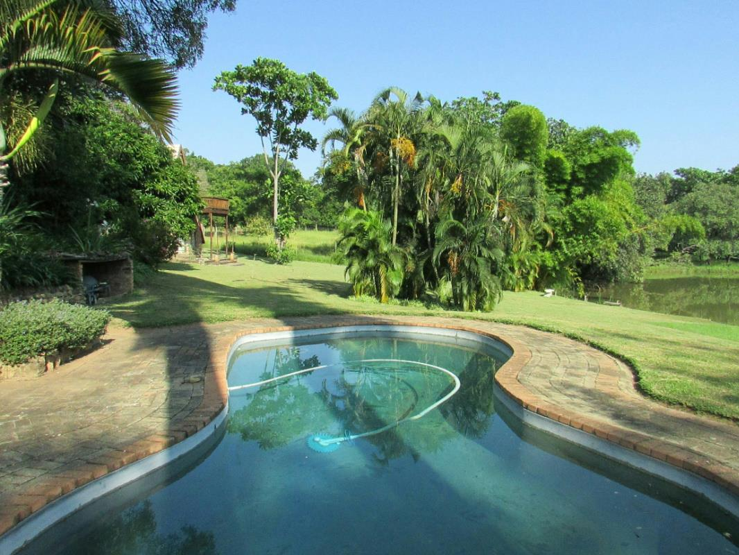 https://listing.pamgolding.co.za/Images/Properties/201804/902462/H/902462_H_4.jpg