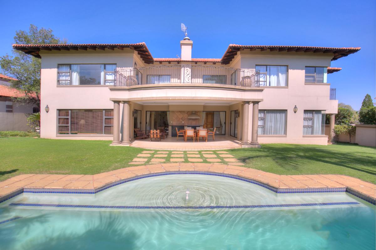 https://listing.pamgolding.co.za/images/properties/201805/204512/H/204512_H_23.jpg