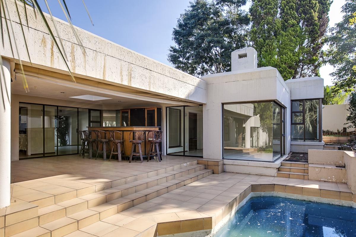 https://listing.pamgolding.co.za/images/properties/201805/910167/H/910167_H_9.jpg
