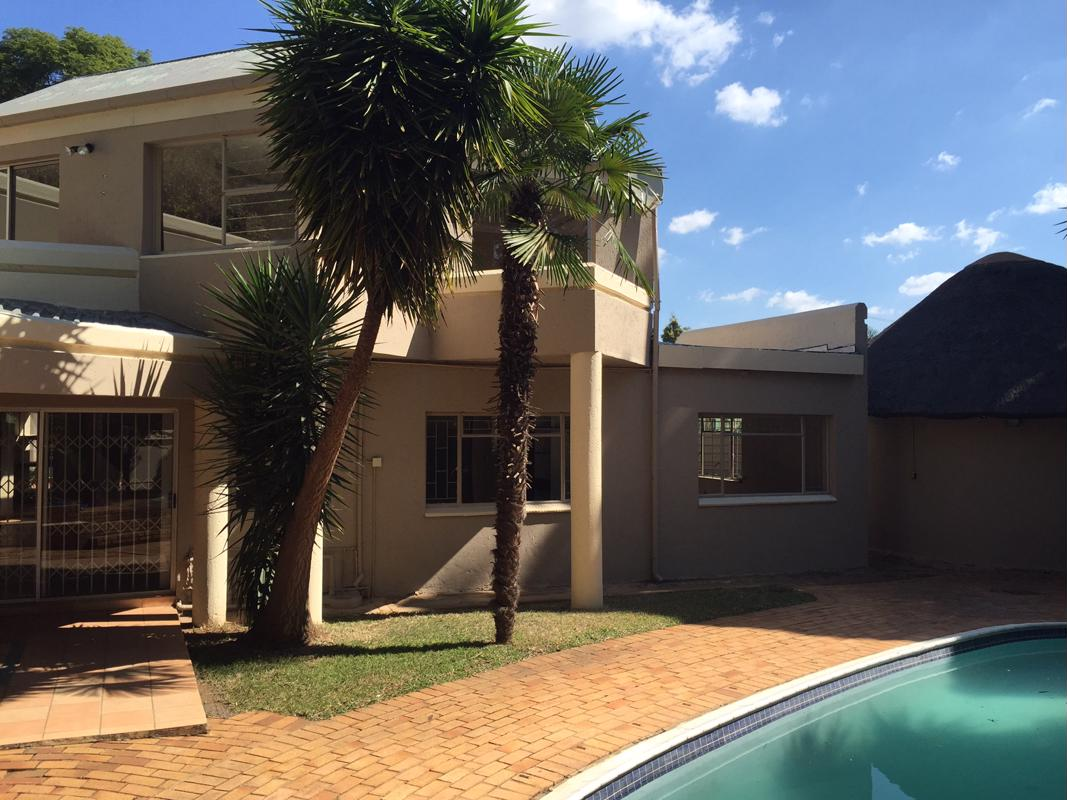 https://listing.pamgolding.co.za/images/properties/201806/940380/H/940380_H_2.jpg