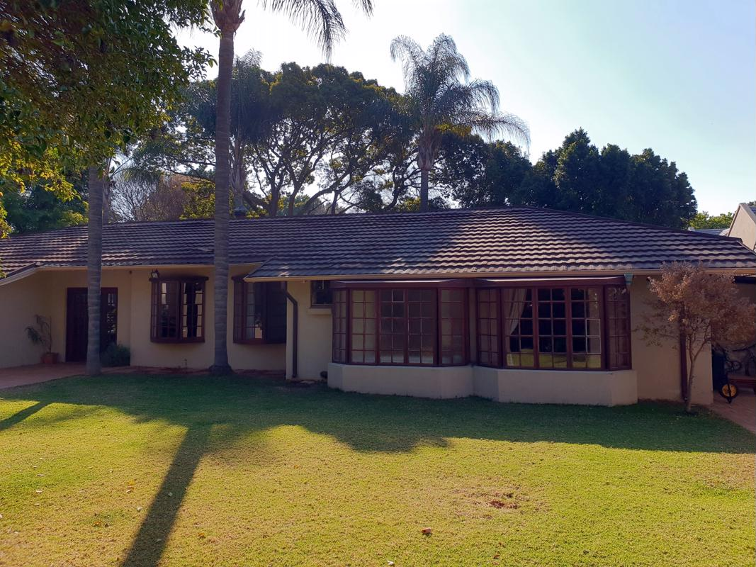https://listing.pamgolding.co.za/images/properties/201807/977588/H/977588_H_11.jpg