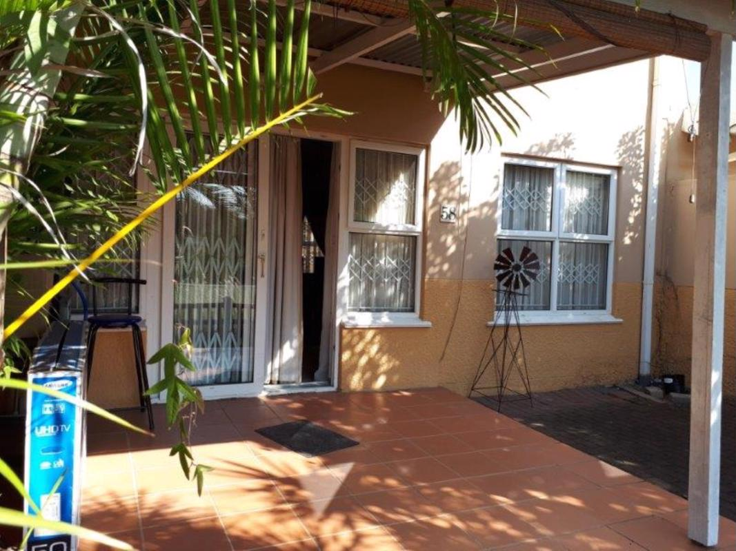 https://listing.pamgolding.co.za/images/properties/201808/1024164/H/1024164_H_1.jpg