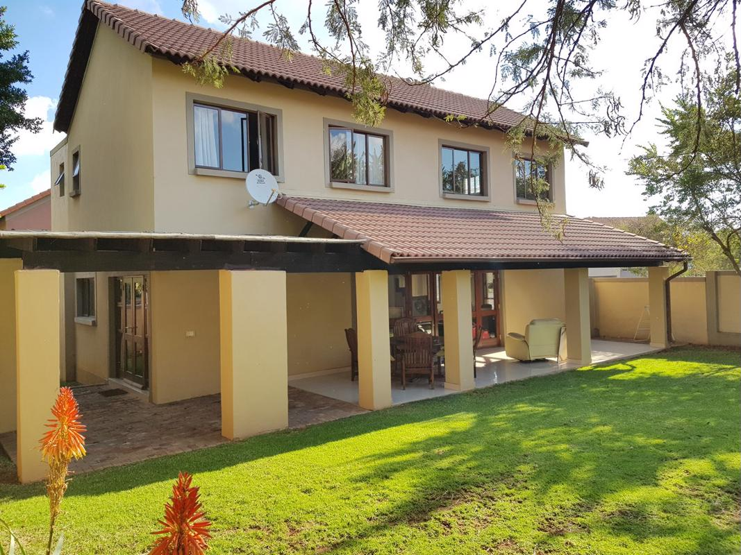 https://listing.pamgolding.co.za/images/properties/201808/1052129/H/1052129_H_21.jpg
