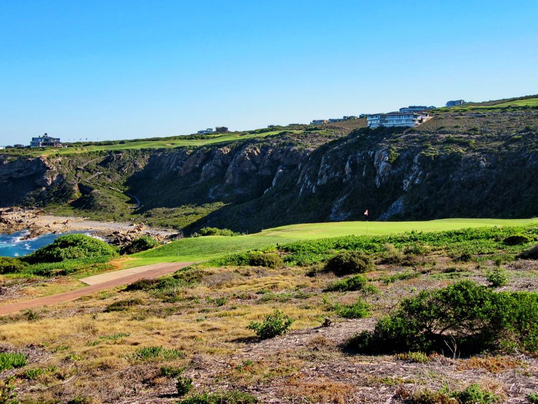 1105 m² residential vacant land for sale in Pinnacle Point Golf Estate