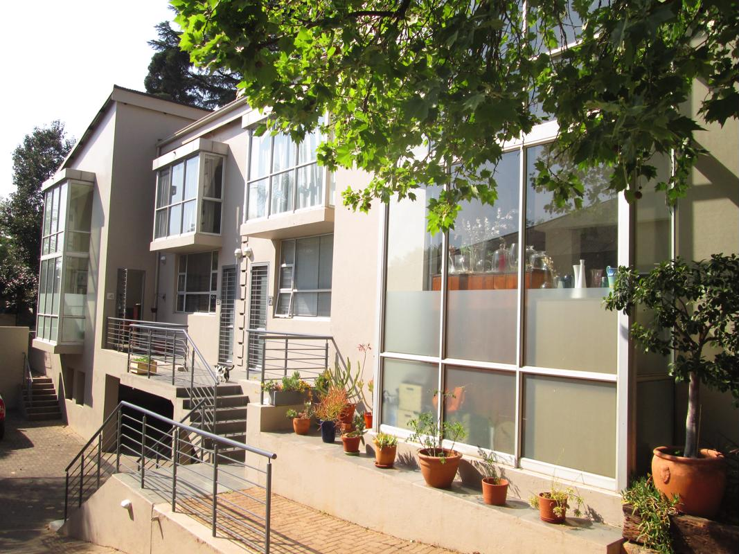 https://listing.pamgolding.co.za/images/properties/201809/1053747/H/1053747_H_19.jpg