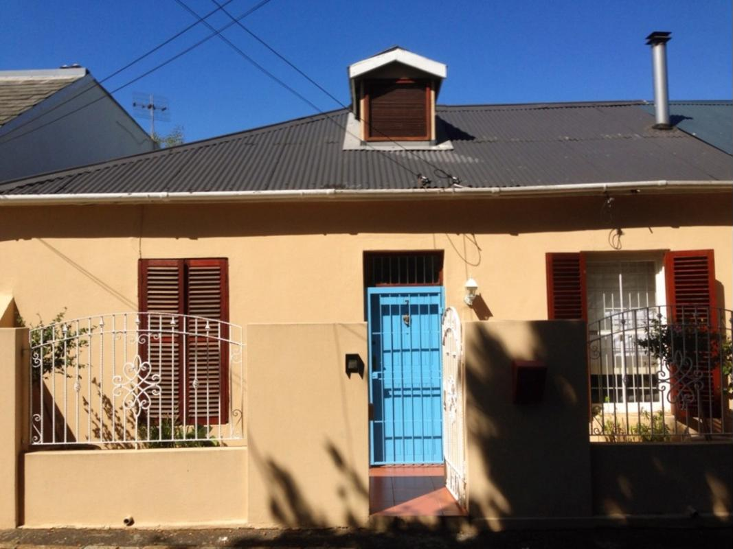 https://listing.pamgolding.co.za/images/properties/201809/1054654/H/1054654_H_1.jpg