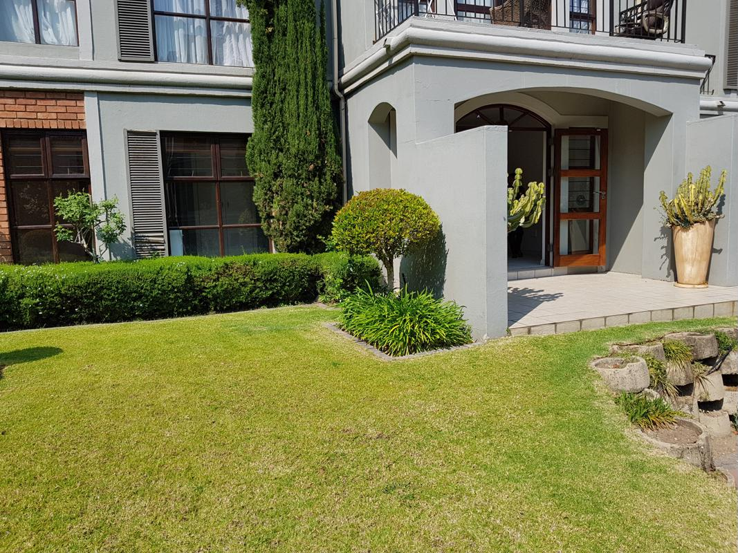 https://listing.pamgolding.co.za/images/properties/201809/1058345/H/1058345_H_13.jpg