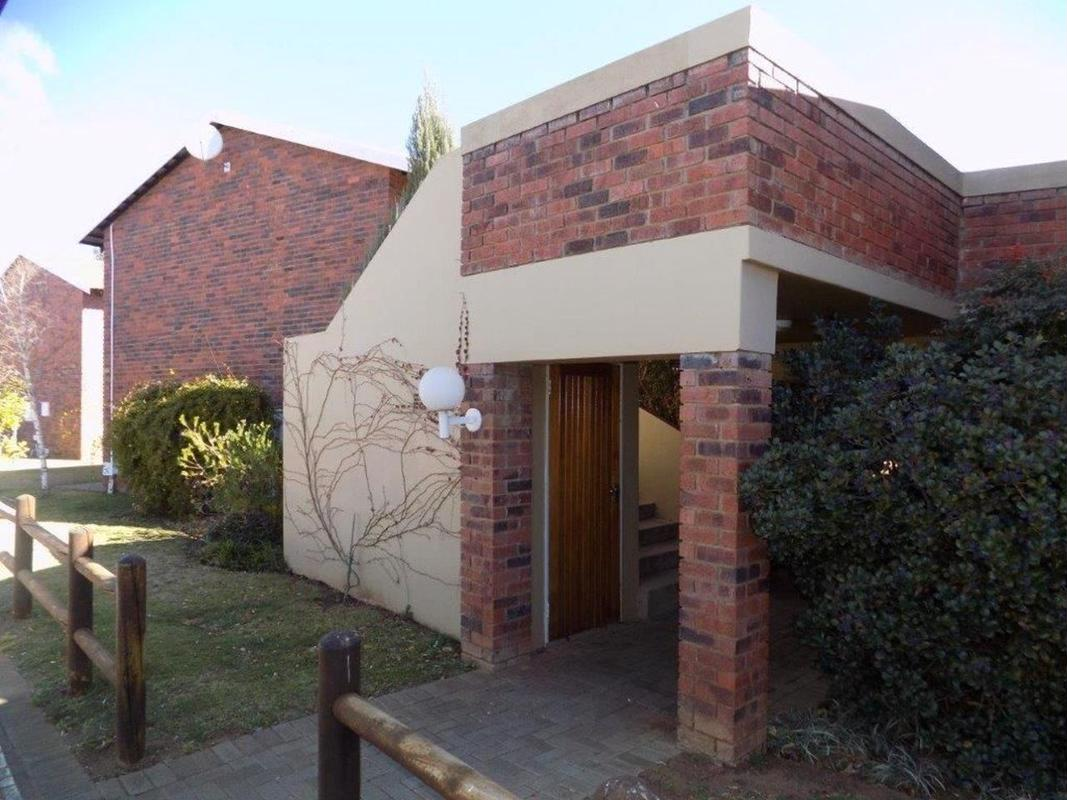 https://listing.pamgolding.co.za/images/properties/201809/1058666/H/1058666_H_1.jpg