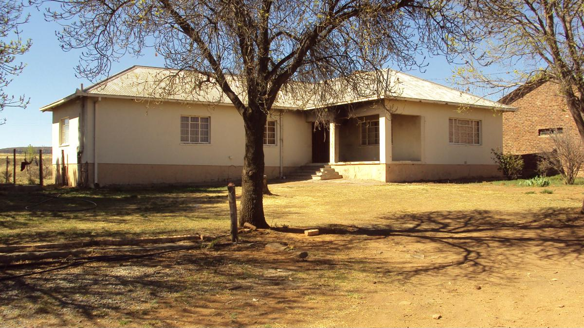 https://listing.pamgolding.co.za/images/properties/201810/1076404/H/1076404_H_1.jpg