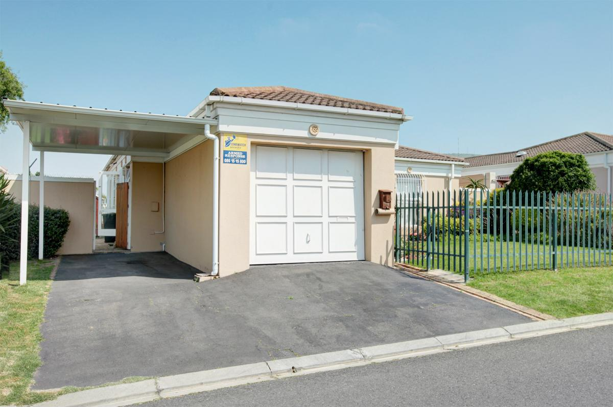 https://listing.pamgolding.co.za/images/properties/201810/1076768/H/1076768_H_1.jpg