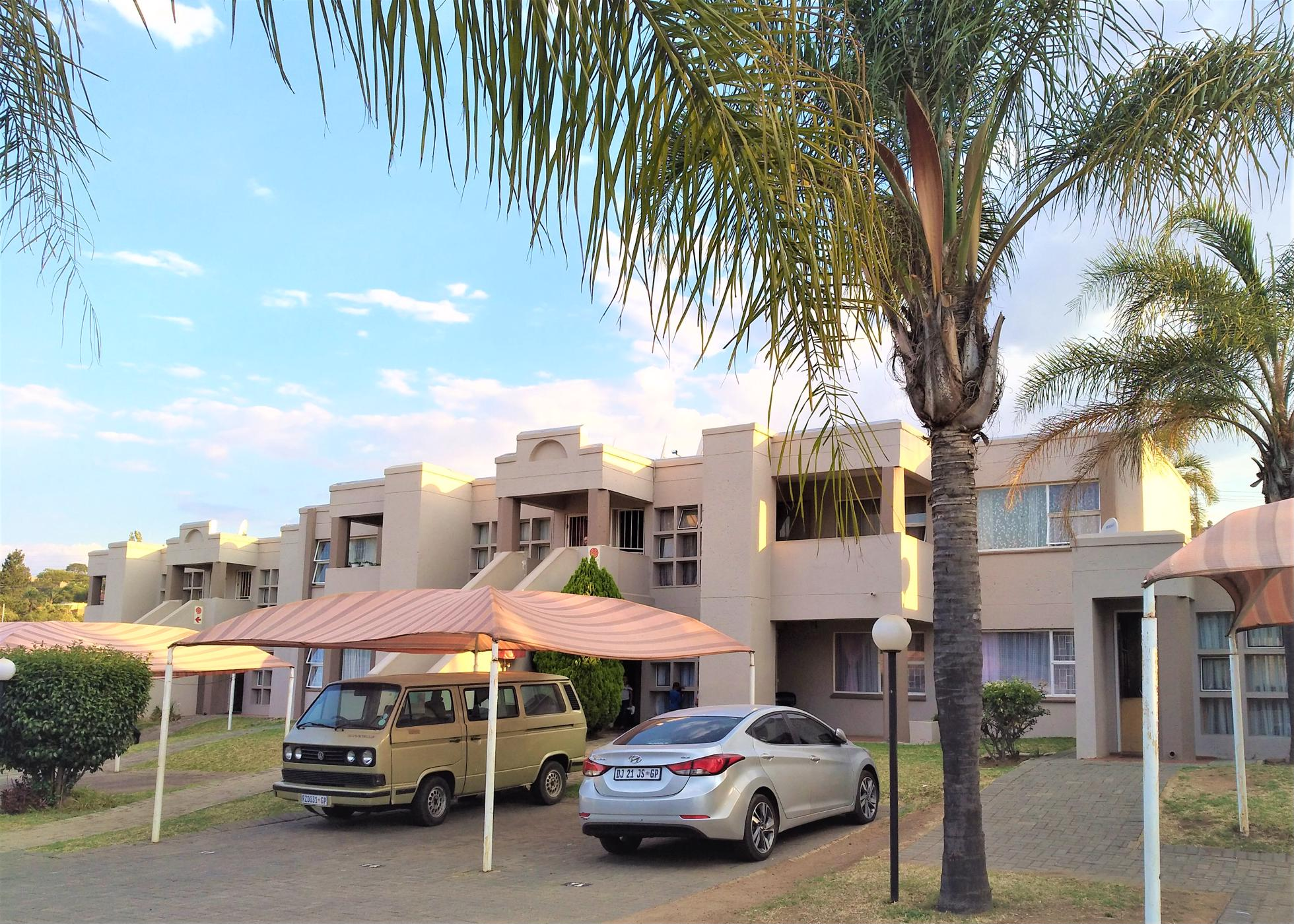 https://listing.pamgolding.co.za/images/properties/201810/1077670/H/1077670_H_11.jpg