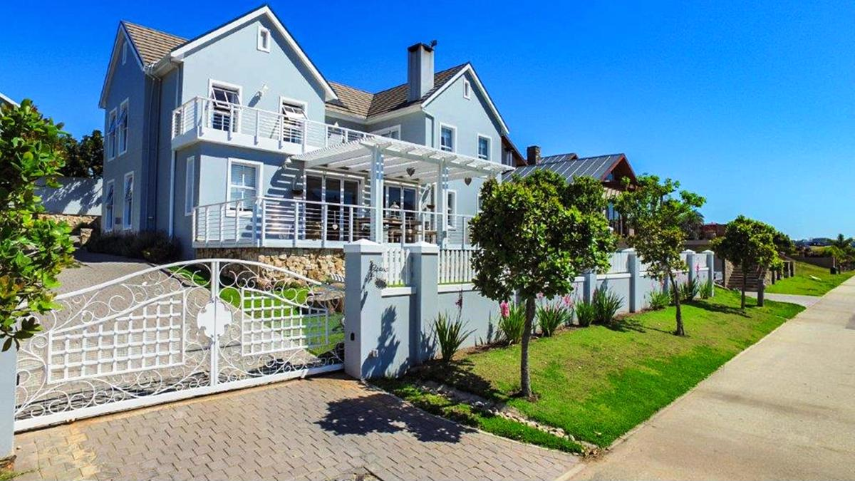 https://listing.pamgolding.co.za/images/properties/201810/1079141/H/1079141_H_24.jpg