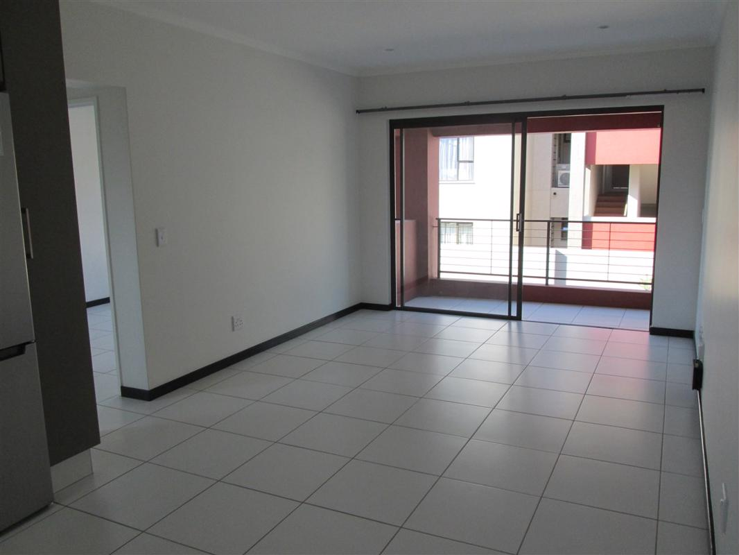 https://listing.pamgolding.co.za/images/properties/201810/1079560/H/1079560_H_1.jpg