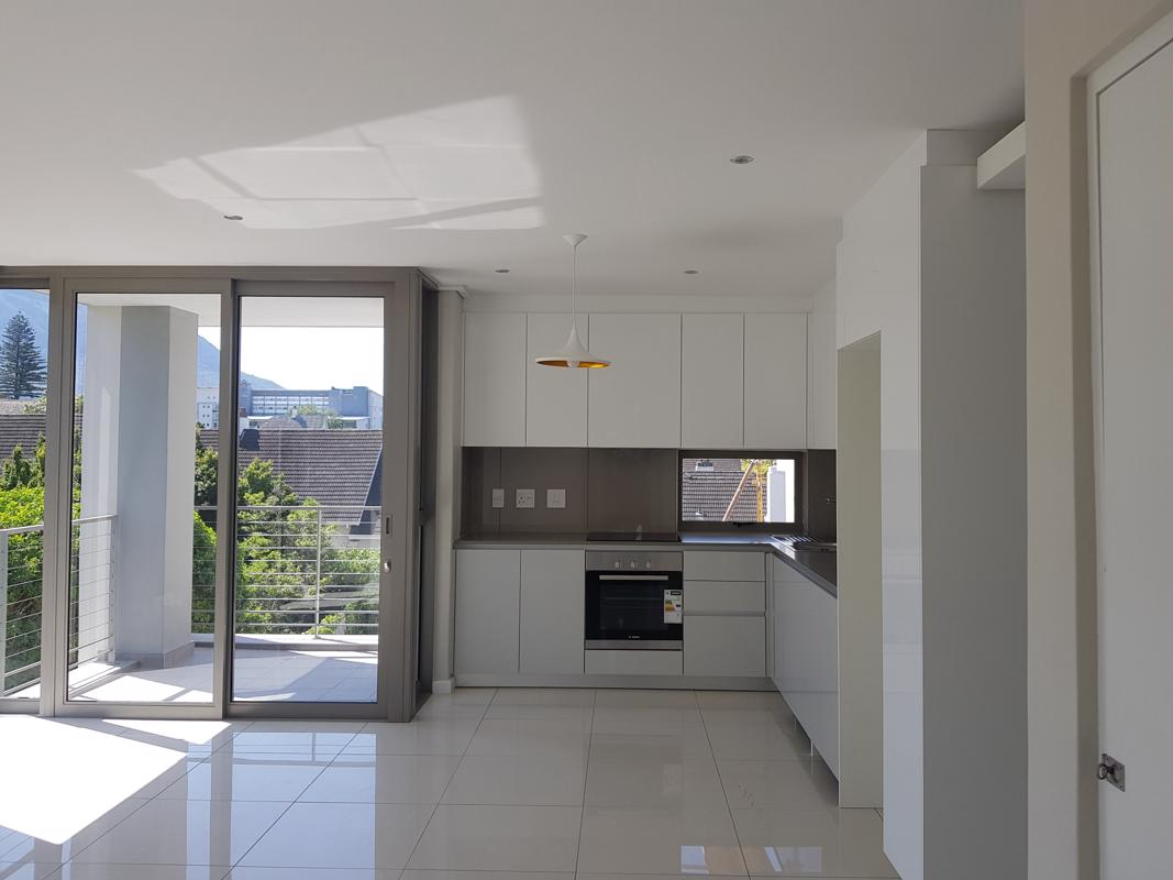 https://listing.pamgolding.co.za/images/properties/201810/1090545/H/1090545_H_8.jpg