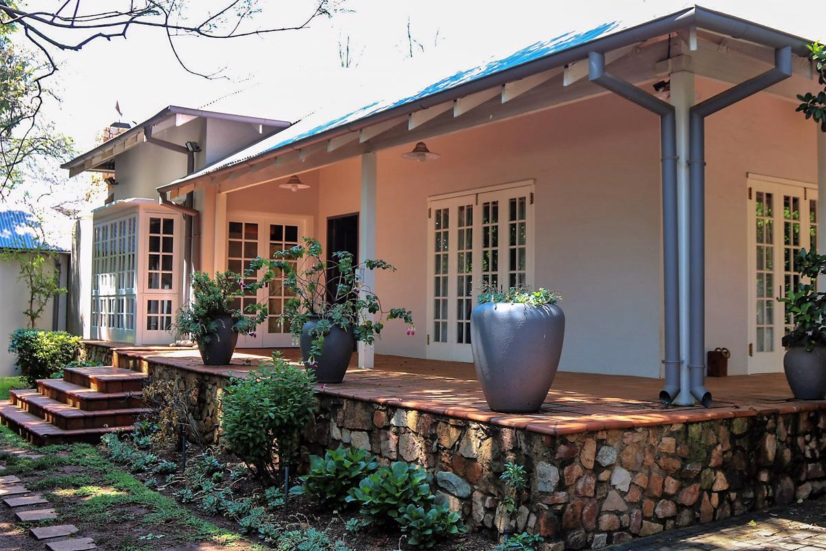 https://listing.pamgolding.co.za/images/properties/201810/1090594/H/1090594_H_7.jpg