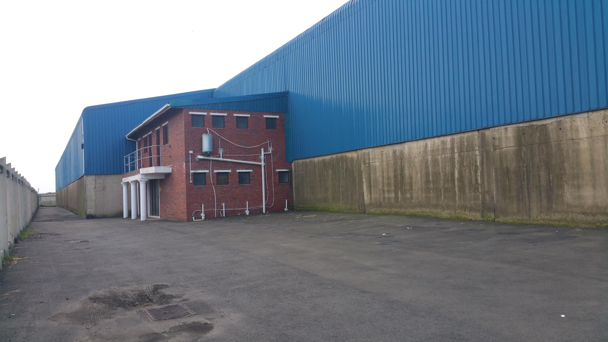 3600 m² commercial industrial property to rent in Alton
