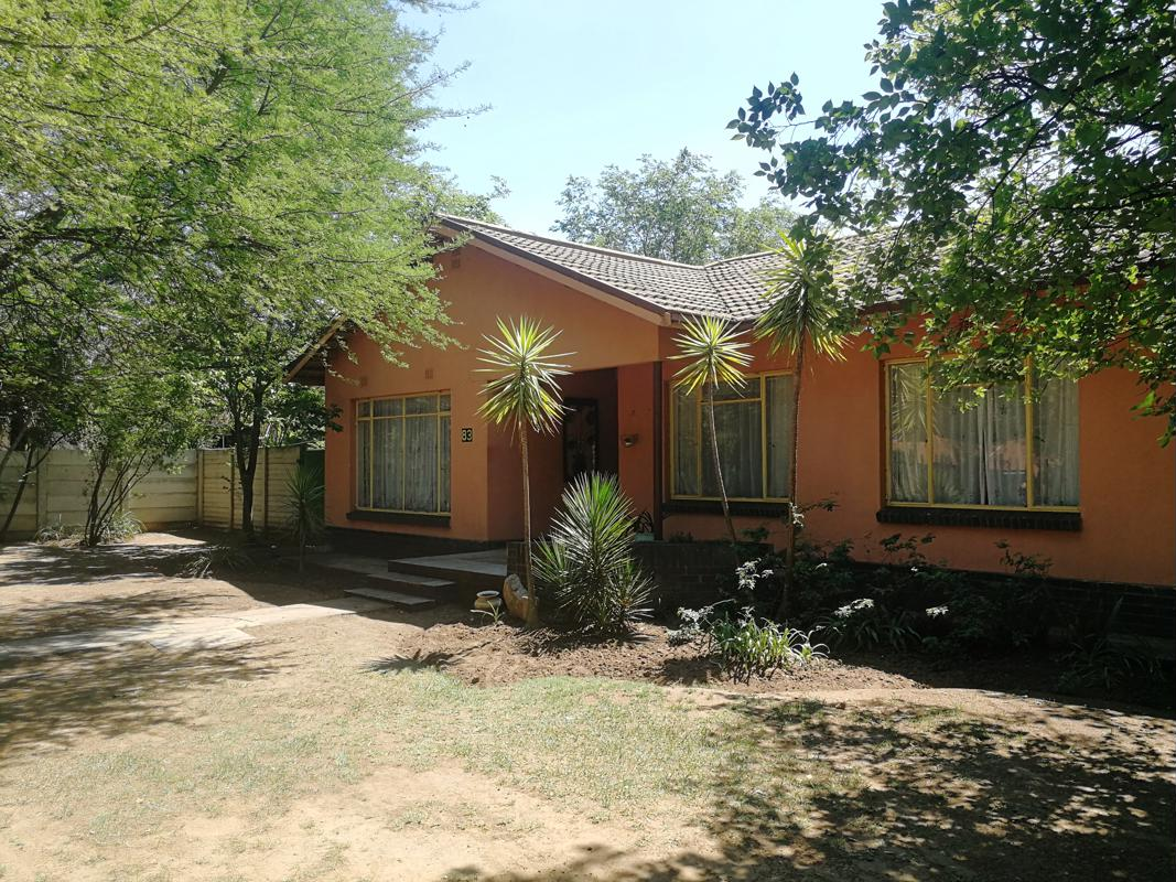 https://listing.pamgolding.co.za/images/properties/201810/905832/H/905832_H_11.jpg