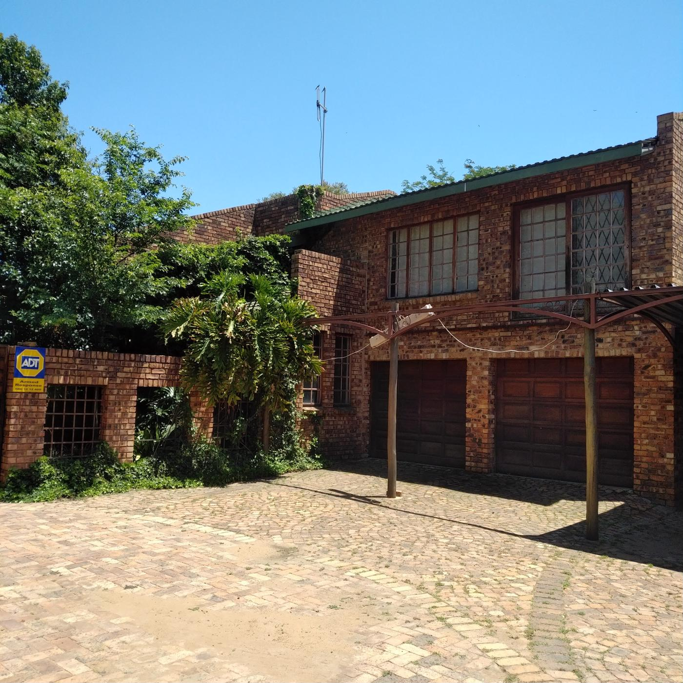 https://listing.pamgolding.co.za/images/properties/201811/1122707/H/1122707_H_1.jpg