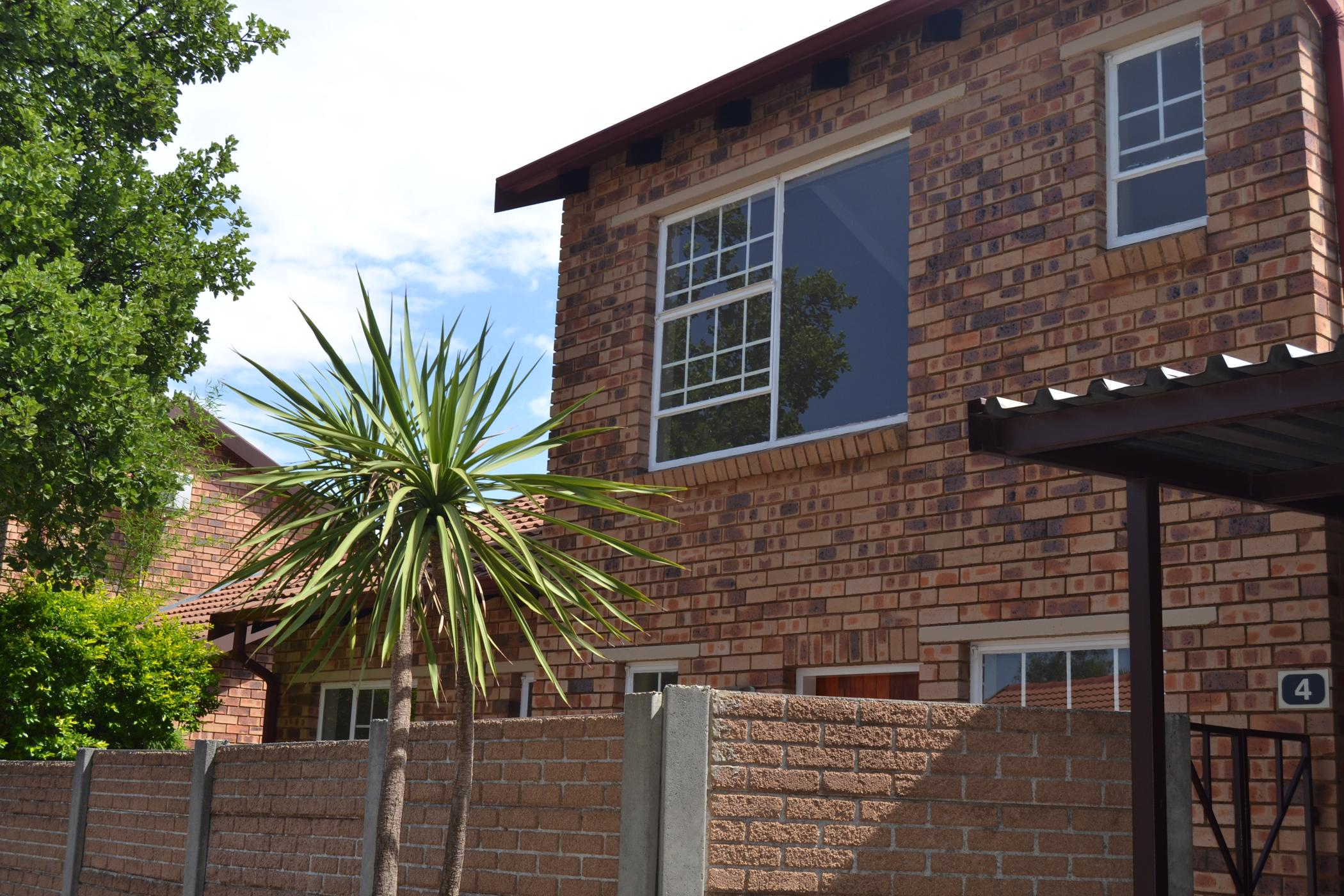 https://listing.pamgolding.co.za/images/properties/201812/1237208/H/1237208_H_17.jpg