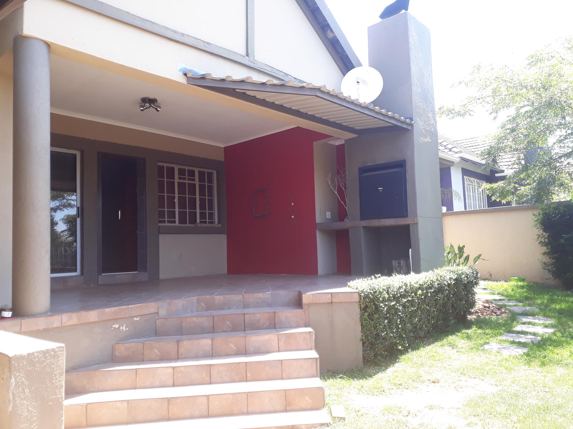https://listing.pamgolding.co.za/images/properties/201812/1239397/H/1239397_H_2.jpg