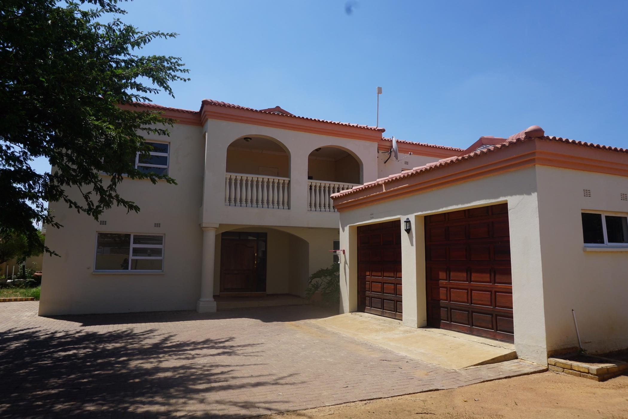 https://listing.pamgolding.co.za/images/properties/201901/1256835/H/1256835_H_34.jpg