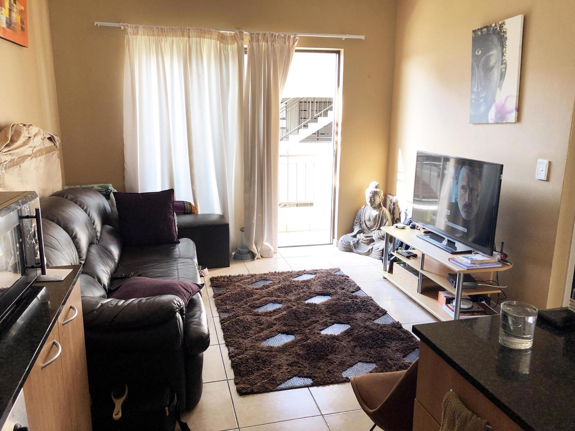 https://listing.pamgolding.co.za/images/properties/201901/1258773/H/1258773_H_5.jpg