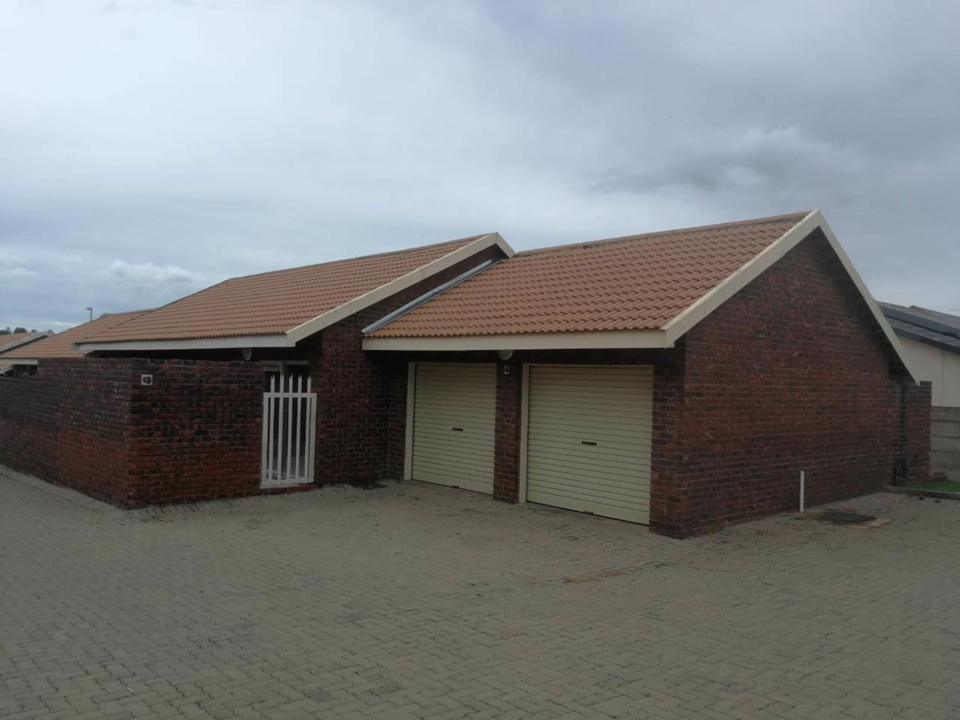 https://listing.pamgolding.co.za/images/properties/201902/1273777/H/1273777_H_1.jpg