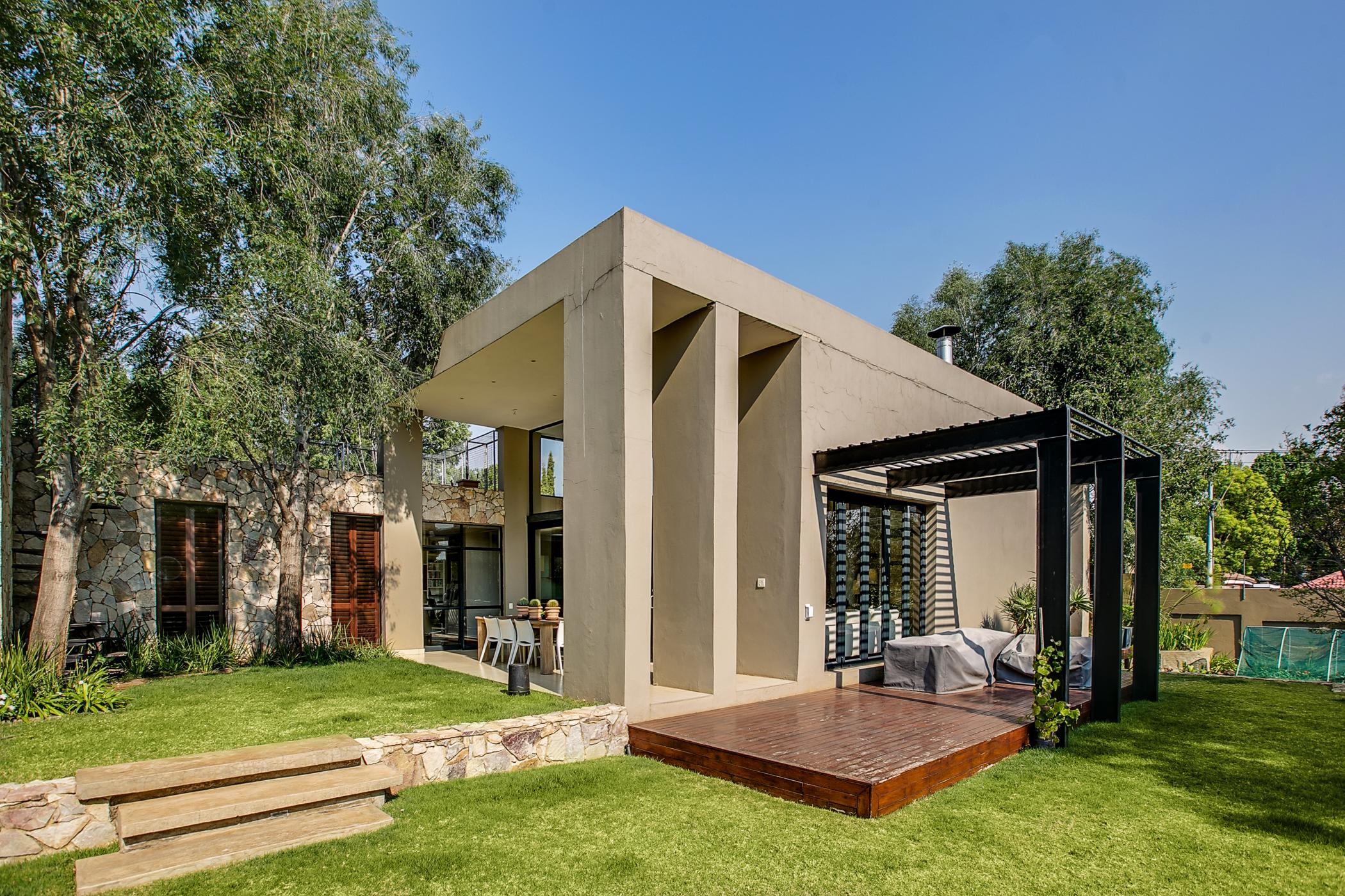 https://listing.pamgolding.co.za/images/properties/201902/1274250/H/1274250_H_21.jpg