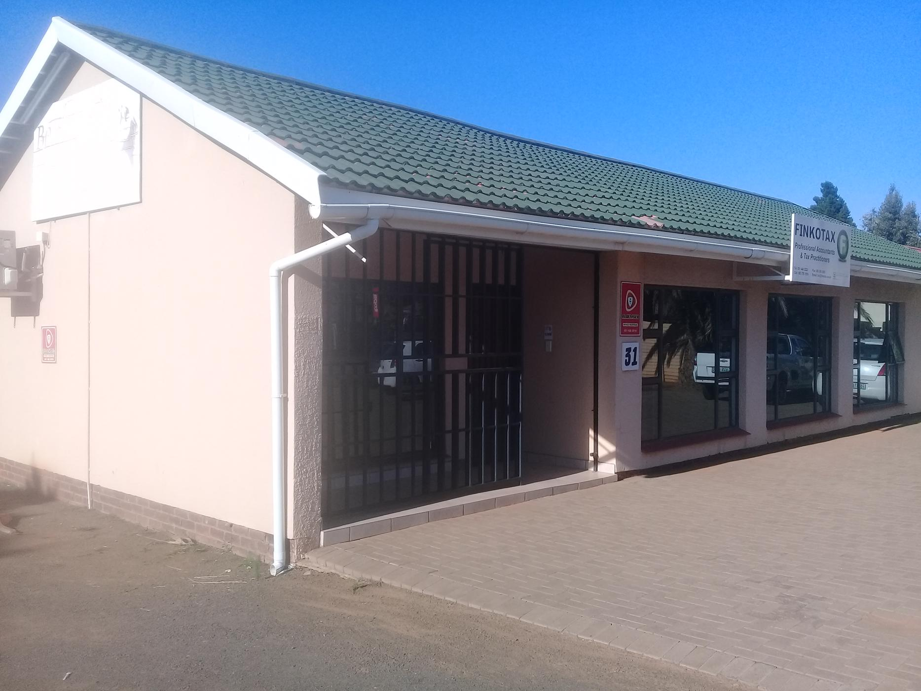 https://listing.pamgolding.co.za/images/properties/201902/1274551/H/1274551_H_2.jpg