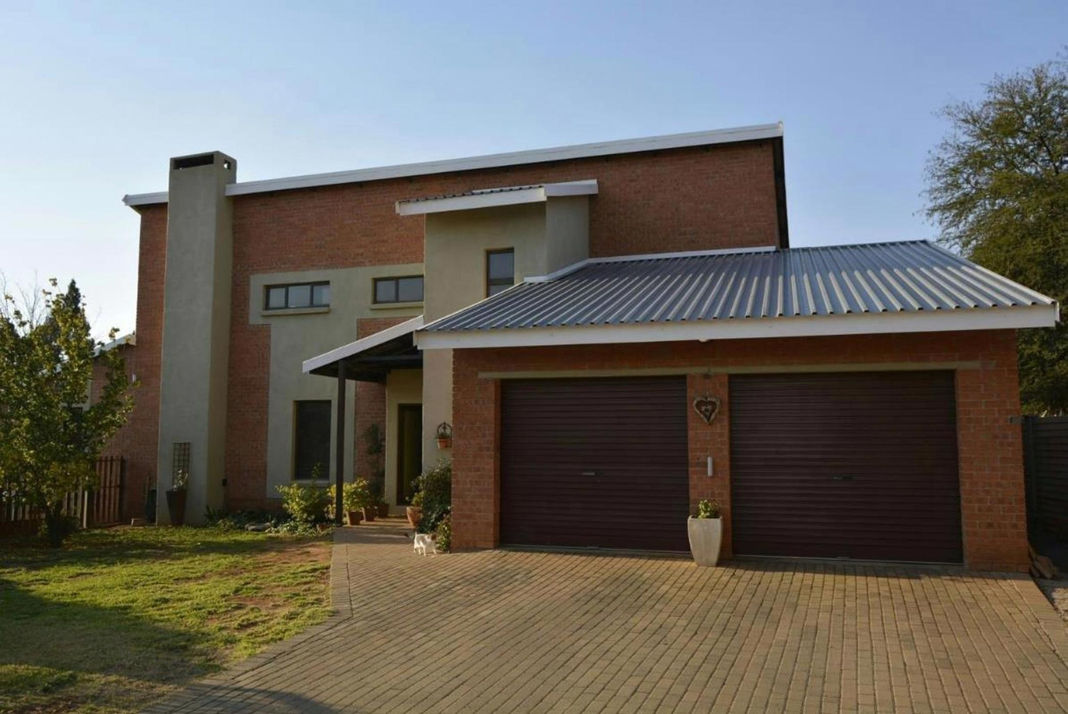 https://listing.pamgolding.co.za/images/properties/201903/1278497/H/1278497_H_1.jpg