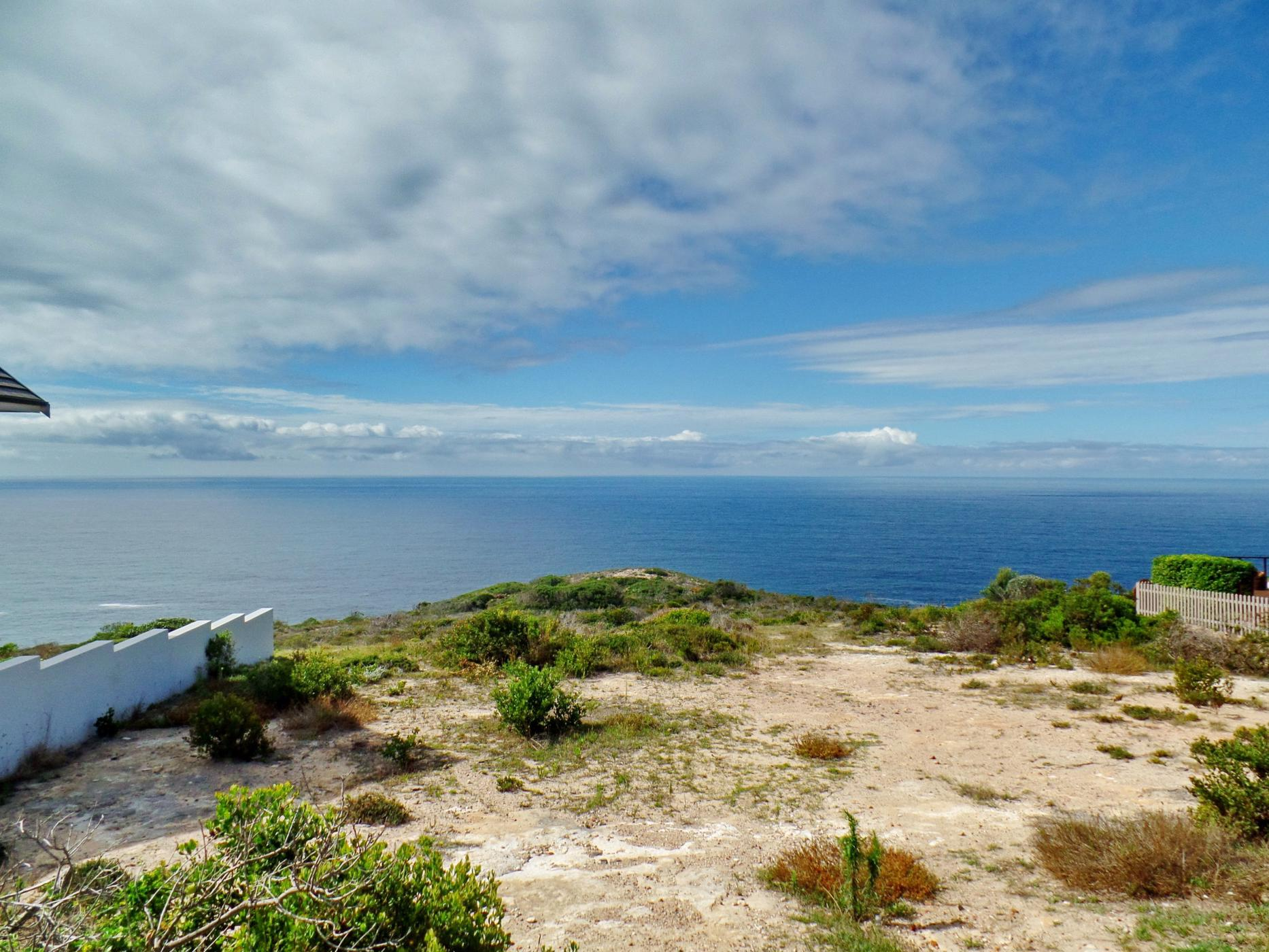 635 m² vacant land for sale in Mossel Bay Golf Estate