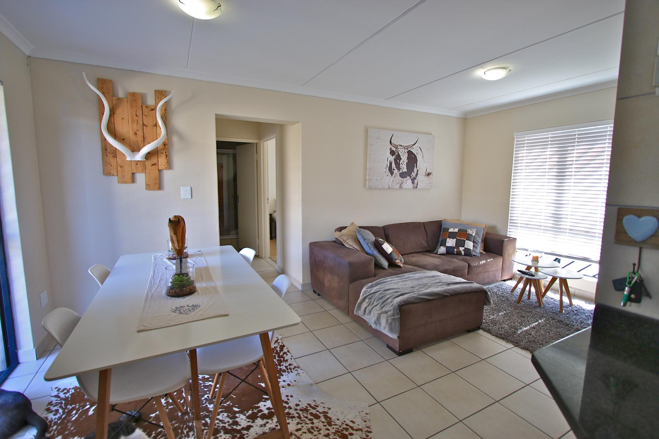 https://listing.pamgolding.co.za/images/properties/201903/701900/H/701900_H_17.jpg