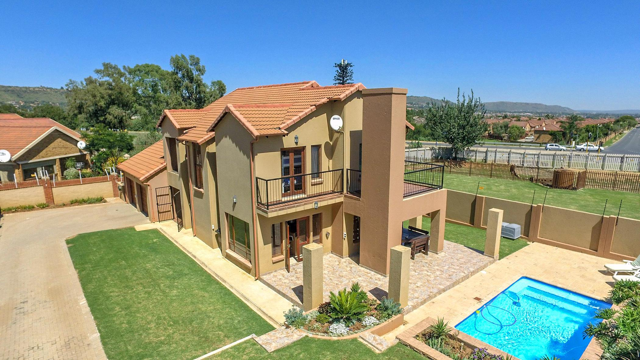 3 Bedroom House For Sale | Wilgeheuwel | 1RP1450349 | Pam Golding