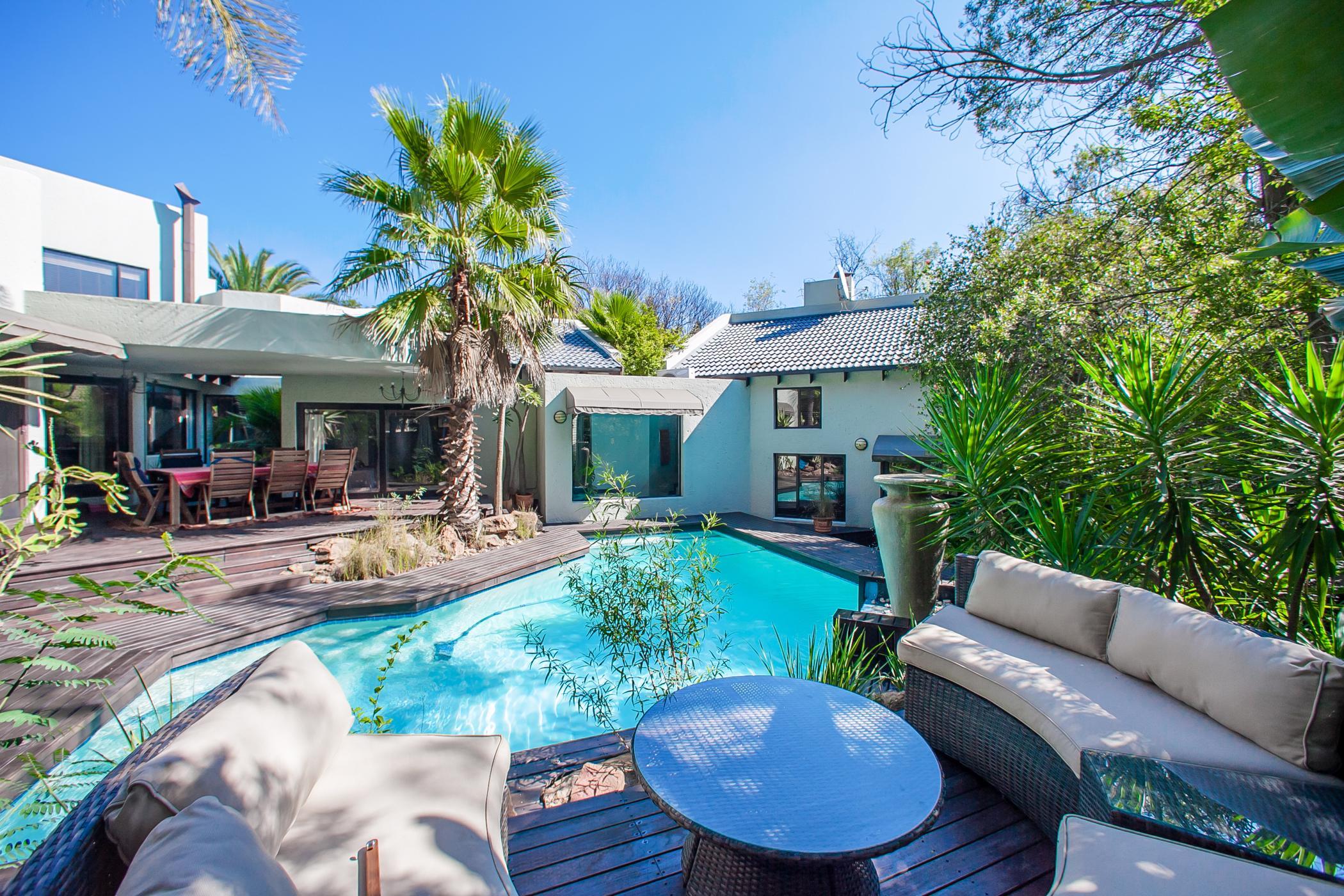 4 bedroom house to rent in Fourways Gardens