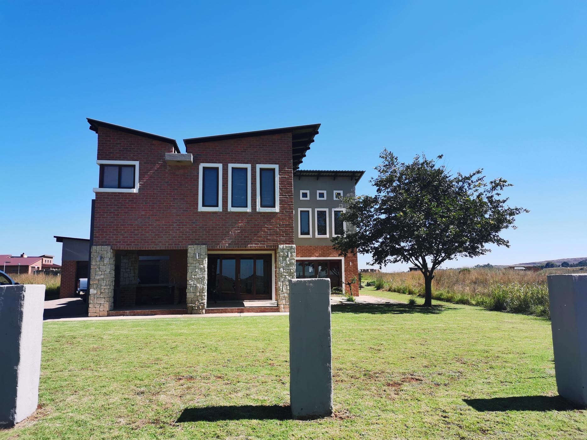 https://listing.pamgolding.co.za/images/properties/201905/1332959/H/1332959_H_1.jpg