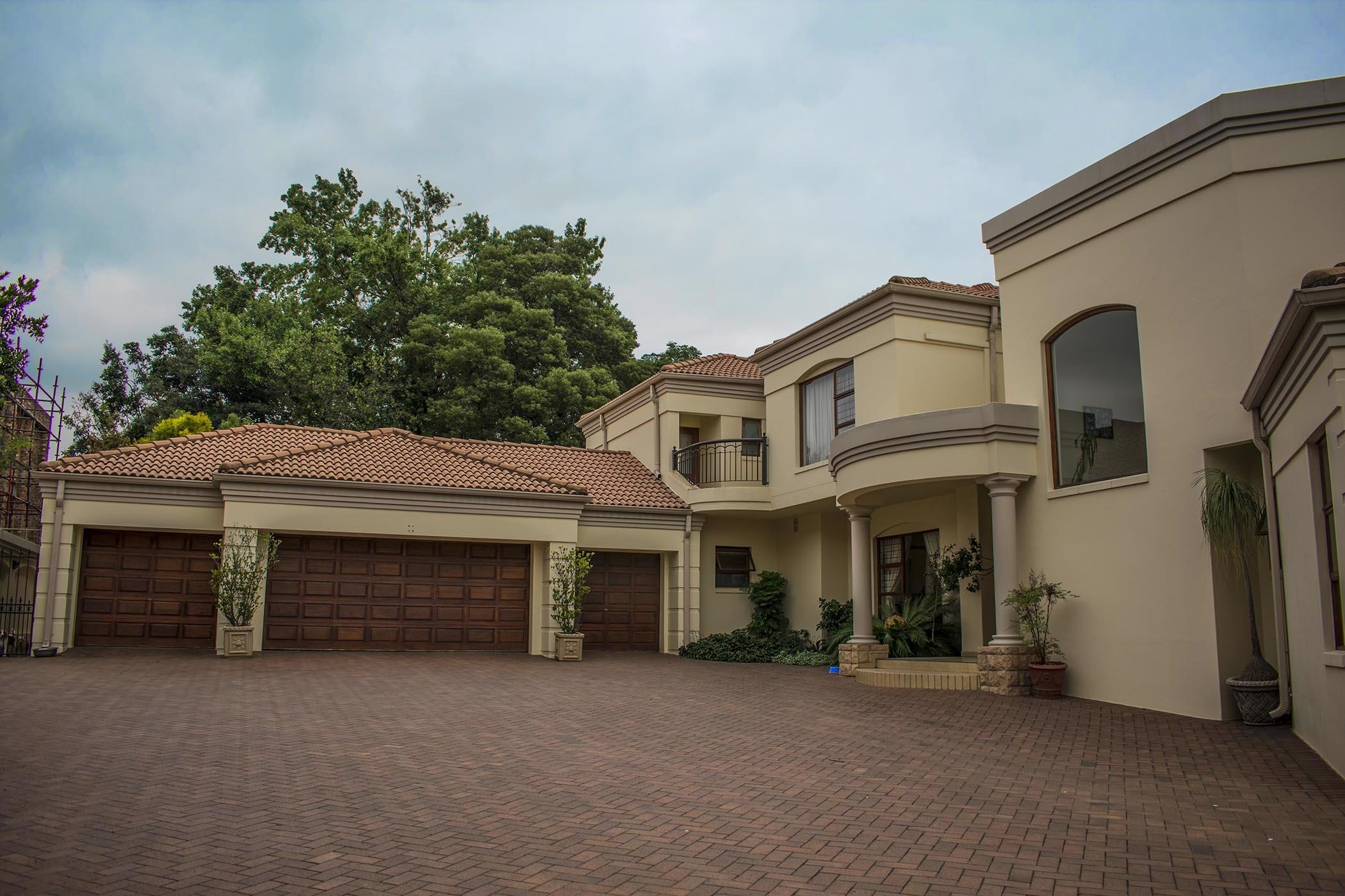 https://listing.pamgolding.co.za/images/properties/201905/1333324/H/1333324_H_38.jpg