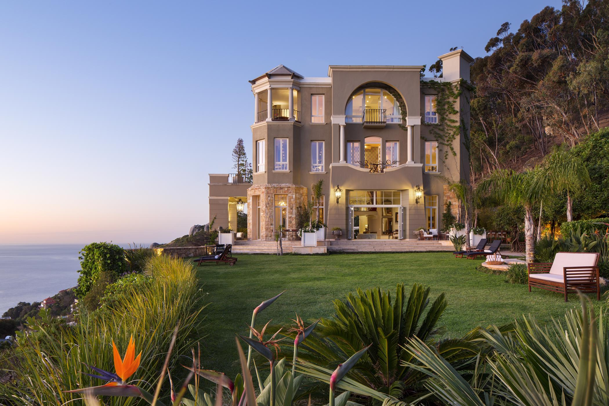 6 bedroom house to rent in Clifton