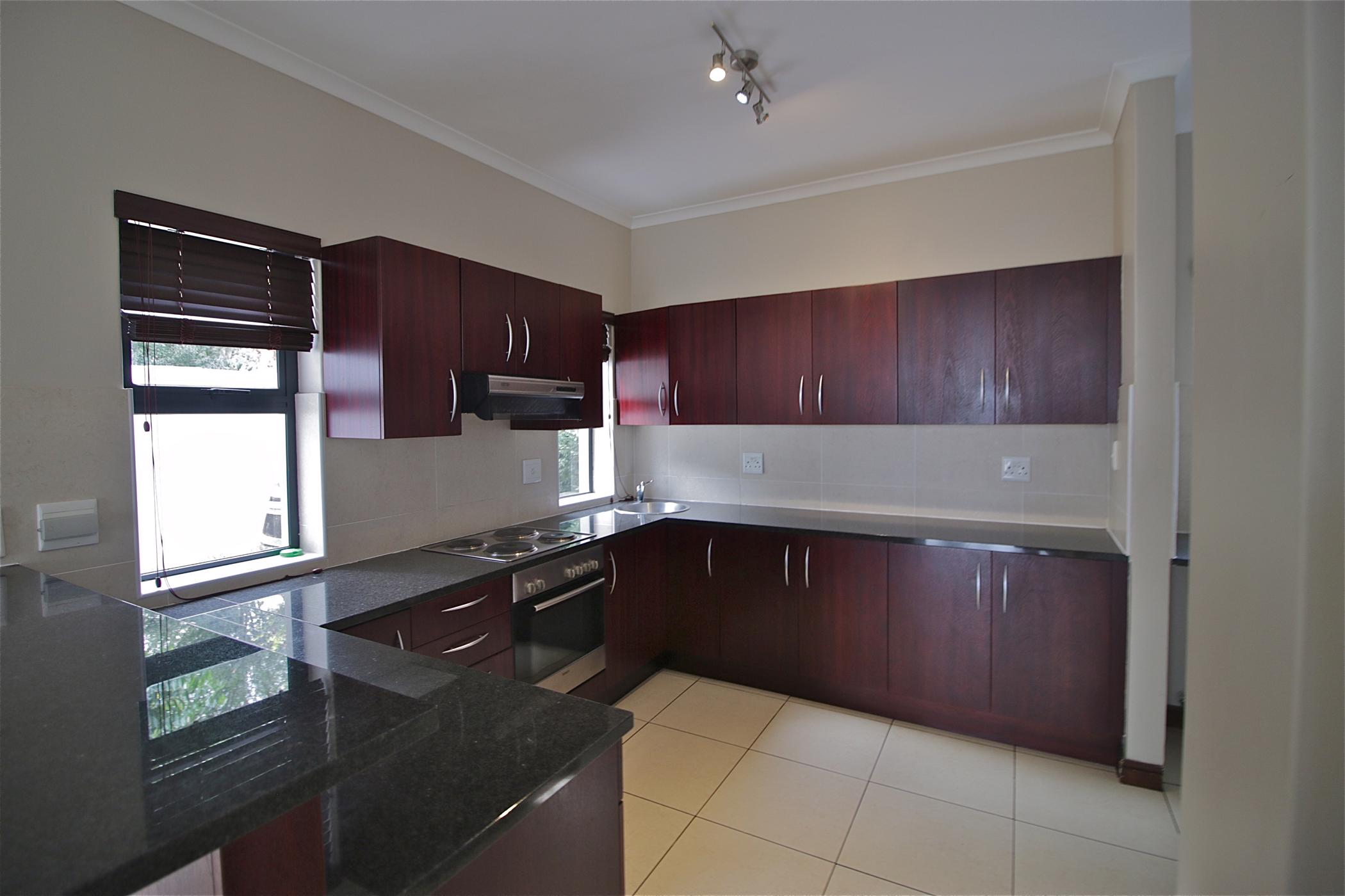 https://listing.pamgolding.co.za/images/properties/201906/1363381/H/1363381_H_16.jpg
