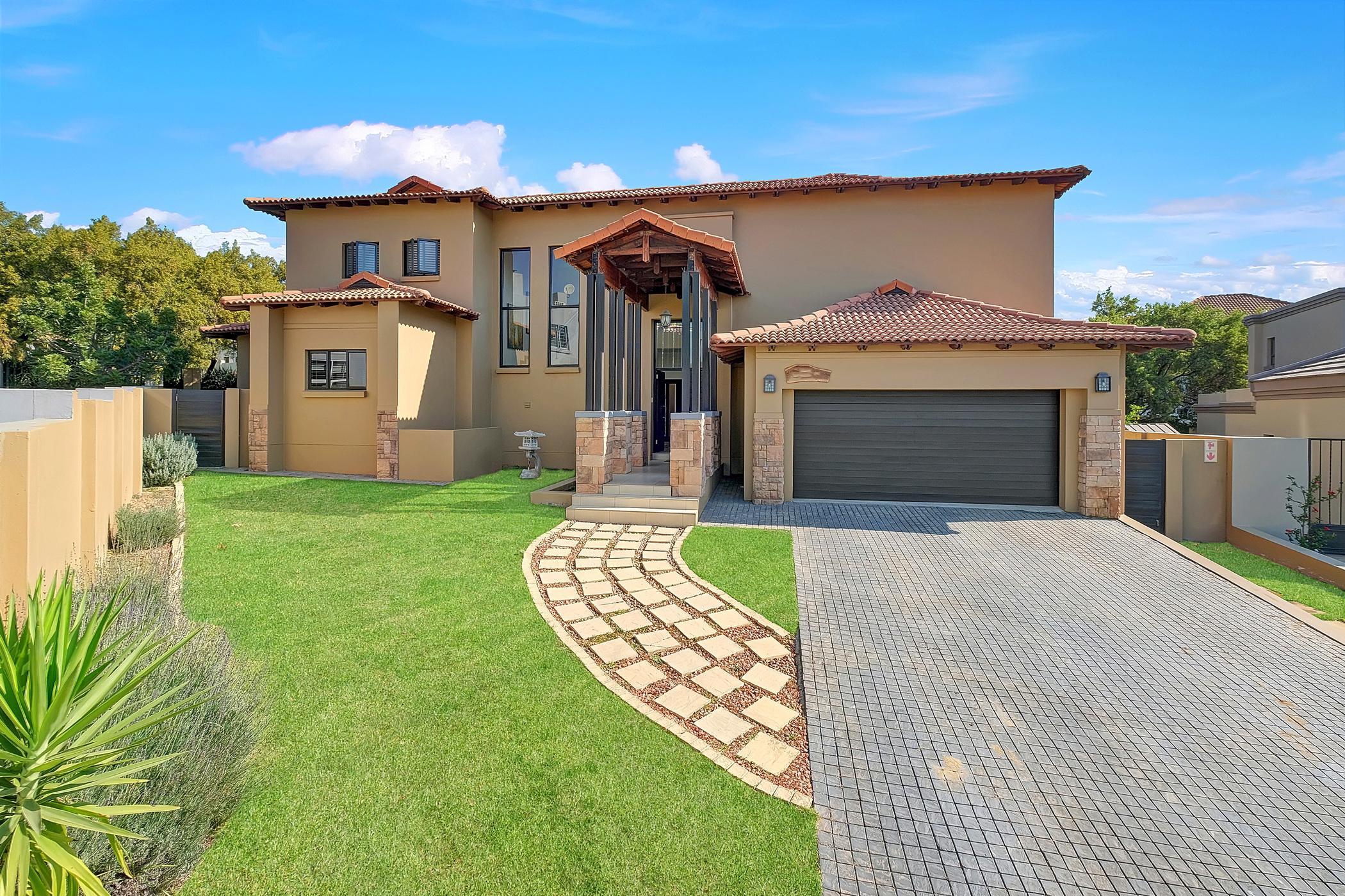 3 Bedroom Cluster Houses For Sale | Cedar Creek | Pam Golding Properties