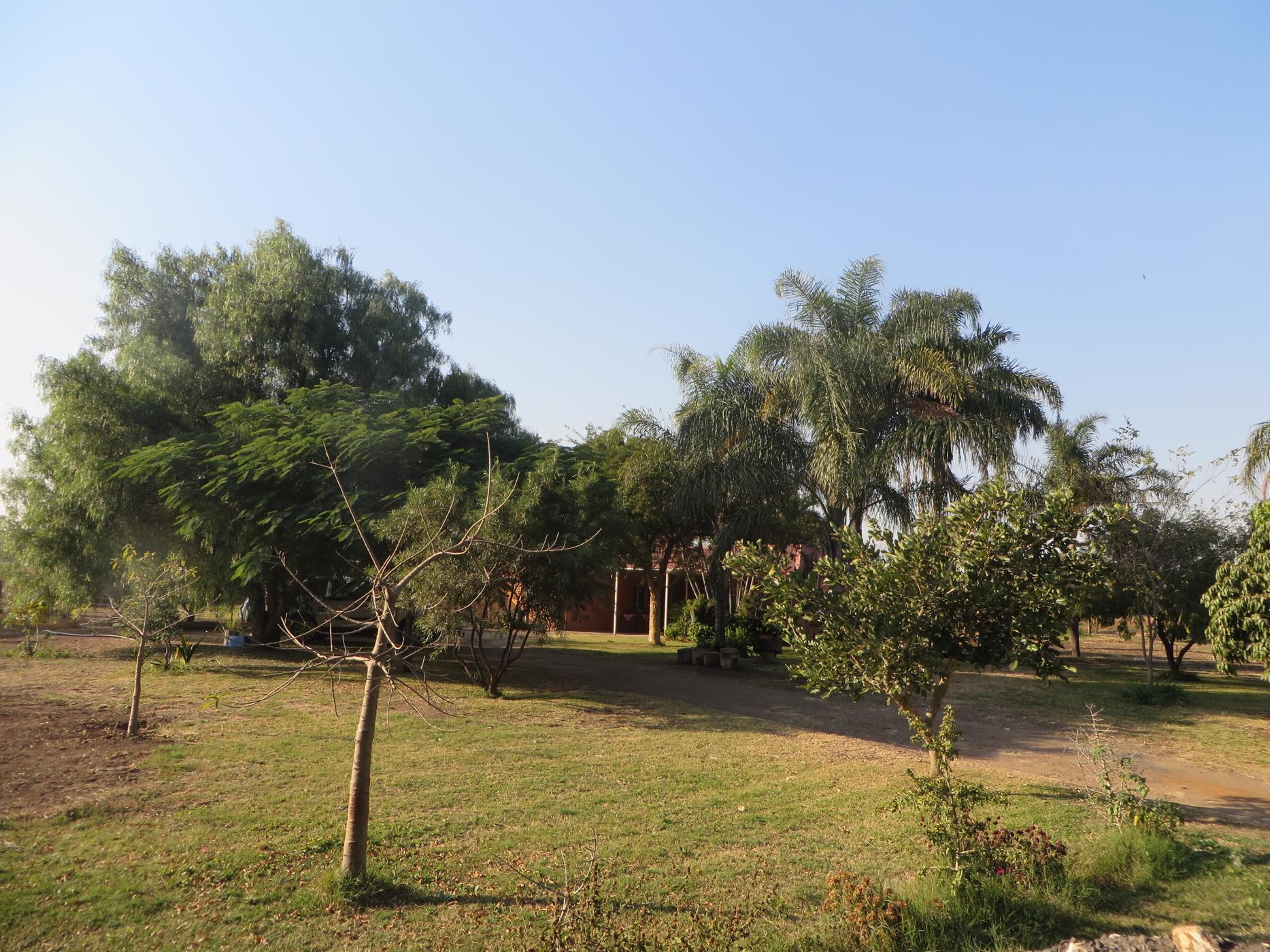 2.9 hectare mixed use farm for sale in Zandfontein (Hartbeespoort)